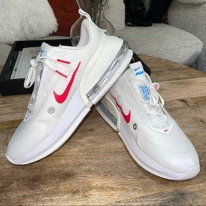 Nike Air Ax Up